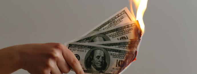 brennende Dollar-Scheine
